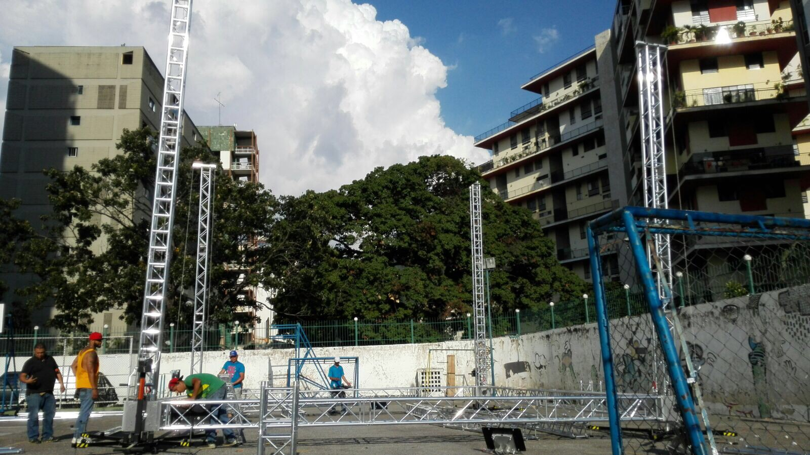 Stage with TRC ground support towers @ Caracas (Venezuela)