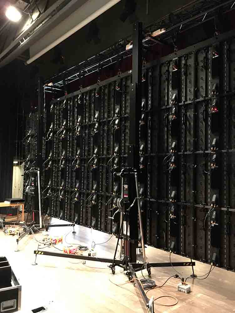 Frontal lifting towers with LED screen @ Stadthofsaal, Uster (Switzerland)
